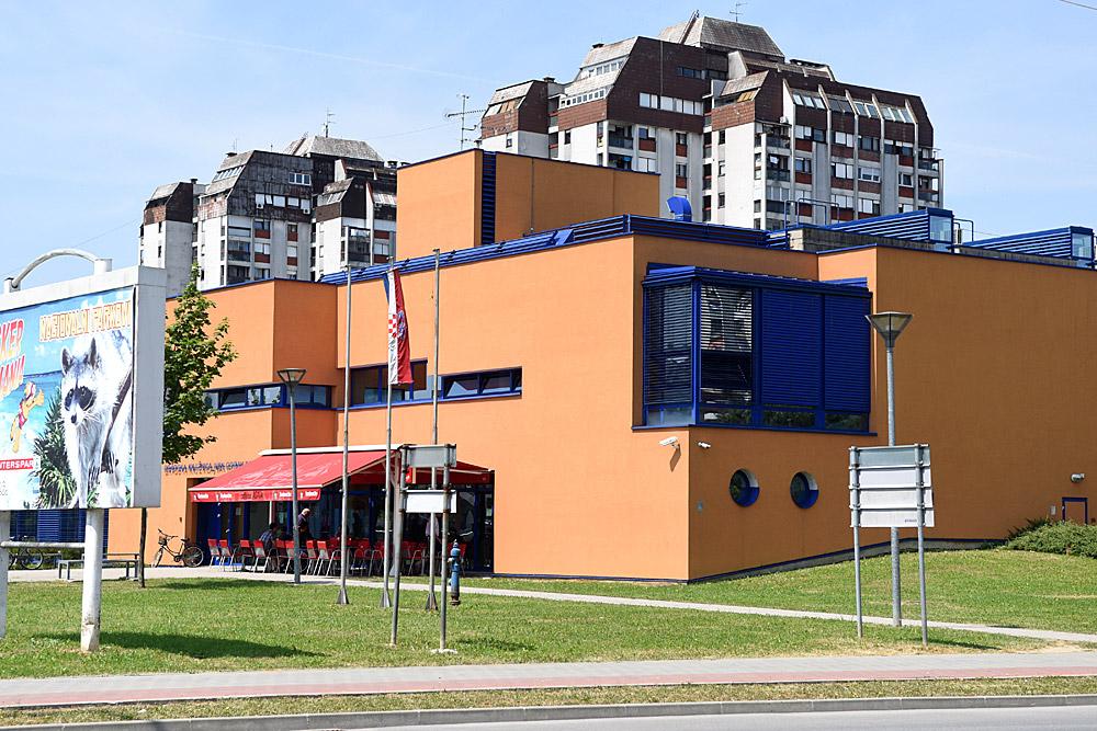 Gradska Knjiznica Turisticka Zajednica Grada Karlovca